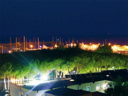 Hotel la Pineta- vista porto