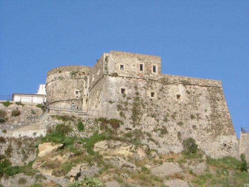 Dintorni Tropea Pizzo il castello